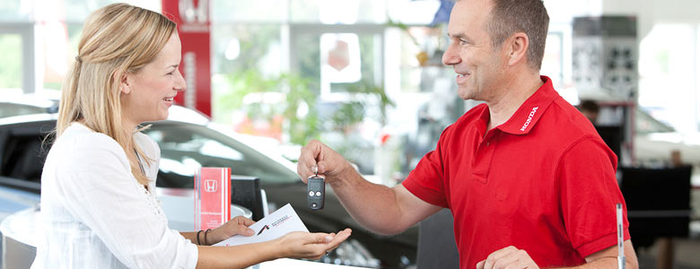 Honda Autohaus Am Eichberg Verkaufsgespräch